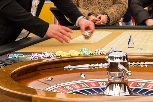 オンラインカジノで博打をすることは違法なのか?略式裁判から見える日本という国