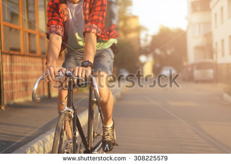 クイックシルバー 自転車便は自由な都会の象徴か